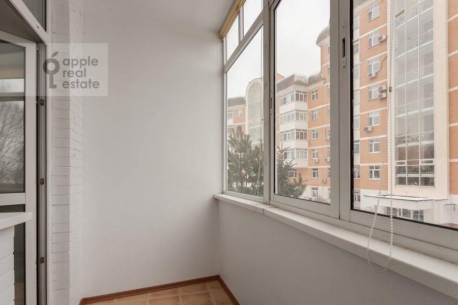 Балкон / Терраса / Лоджия в 5-комнатной квартире по адресу Ландышевая ул. 14к3