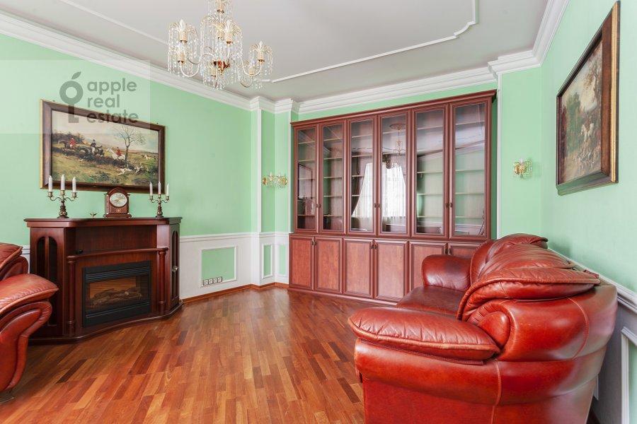 Детская комната / Кабинет в 5-комнатной квартире по адресу Ландышевая ул. 14к3