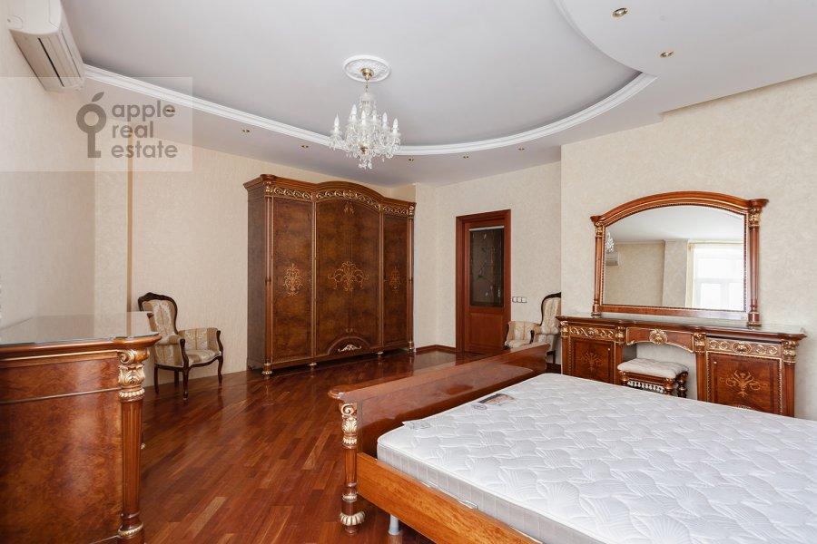 Спальня в 5-комнатной квартире по адресу Ландышевая ул. 14к3