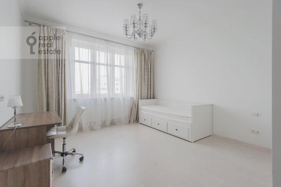 Children's room / Cabinet of the 4-room apartment at Marshala Zhukova pr-t. 78