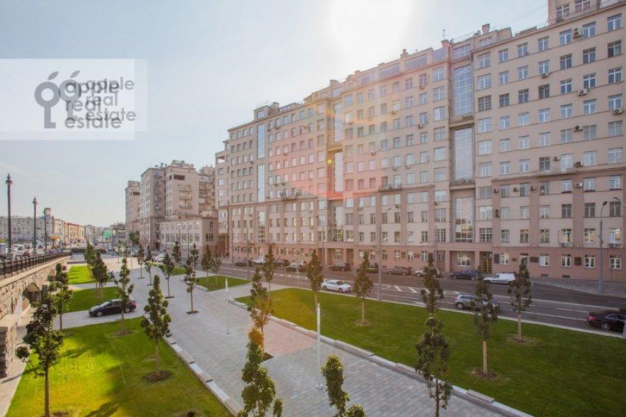 Photo of the house of the 5-room apartment at Serafimovicha ul. 2