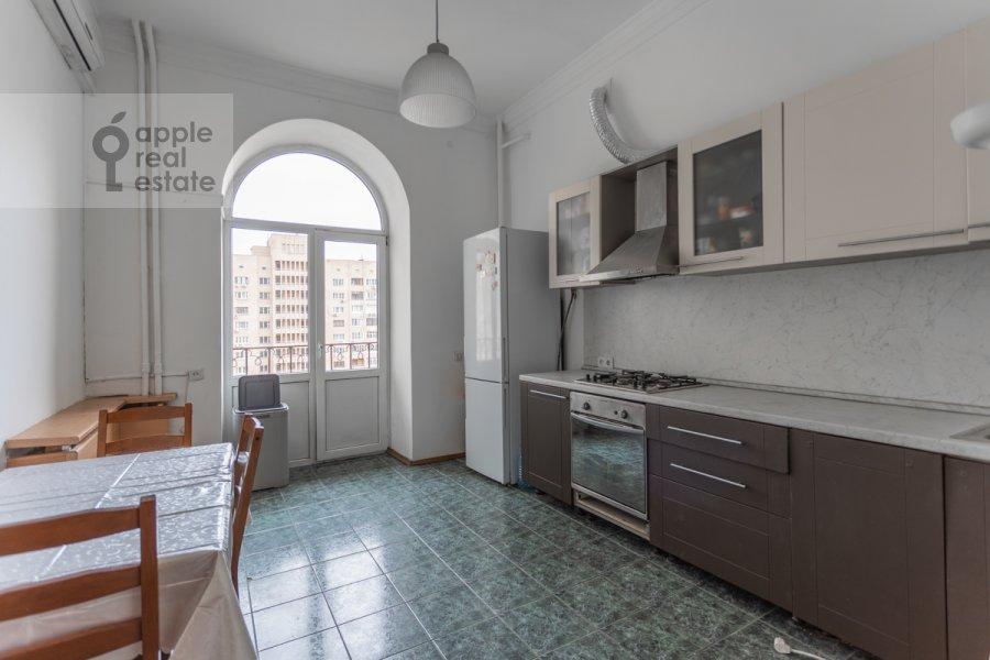 Kitchen of the 4-room apartment at Smolenskaya nab. 5/13