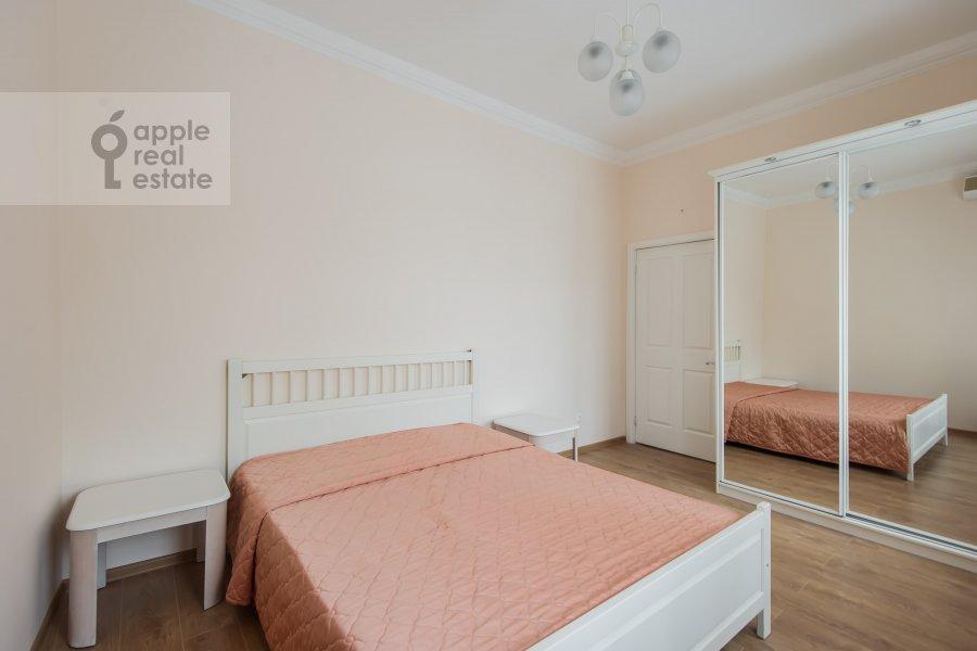 Спальня в 3-комнатной квартире по адресу Новинский бульв. 1/2