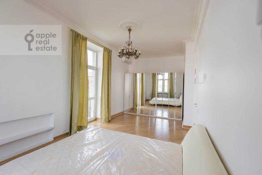 Bedroom of the 2-room apartment at Tverskaya ul. 8