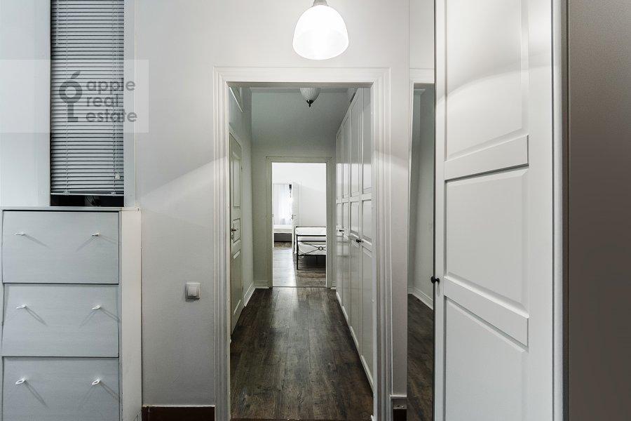 Коридор в 3-комнатной квартире по адресу Малый Козихинский пер. 12