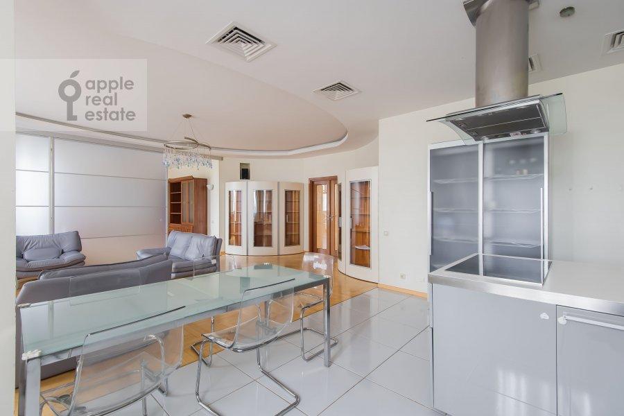 Кухня в 6-комнатной квартире по адресу Лобачевского ул. 92к4