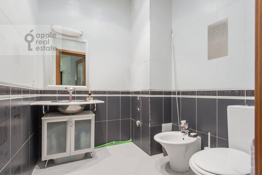 Санузел в 6-комнатной квартире по адресу Лобачевского ул. 92к4
