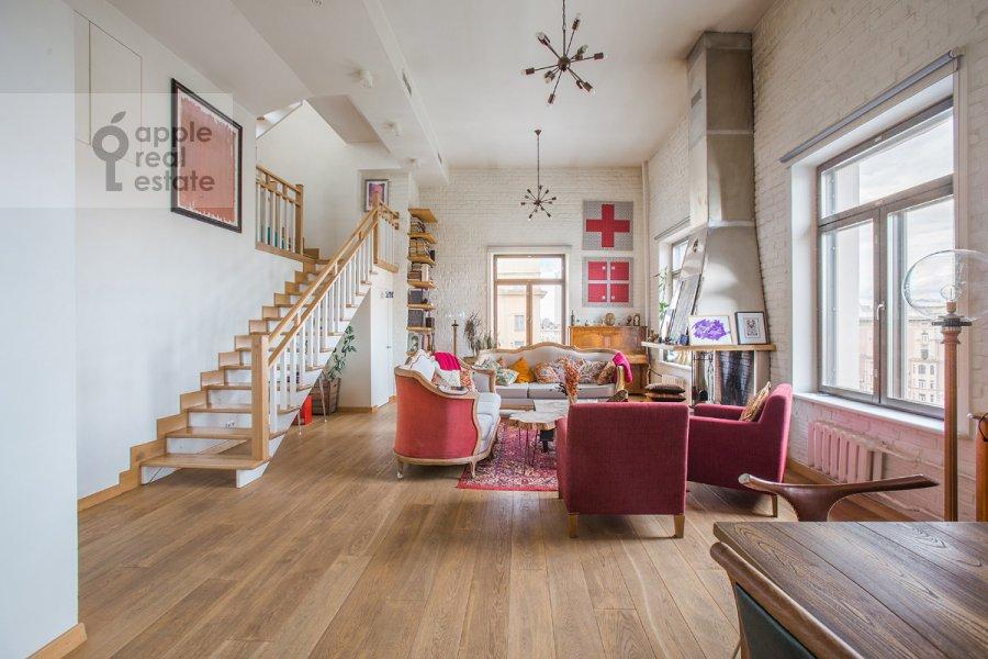 Living room of the 3-room apartment at Bol'shaya Dorogomilovskaya ulitsa 9