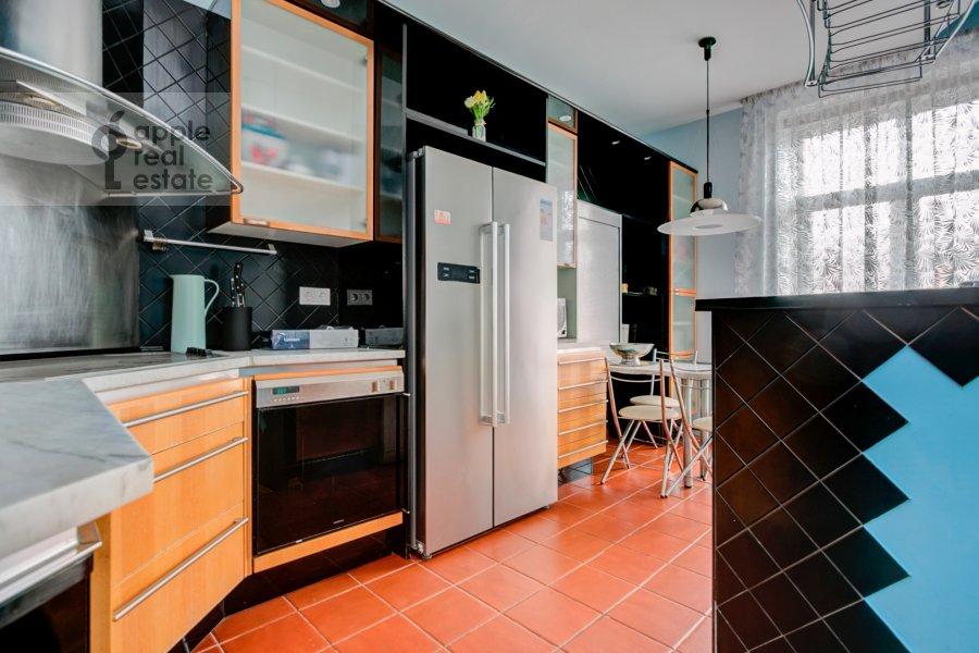 Кухня в 4-комнатной квартире по адресу Садовая-Кудринская улица 14/16