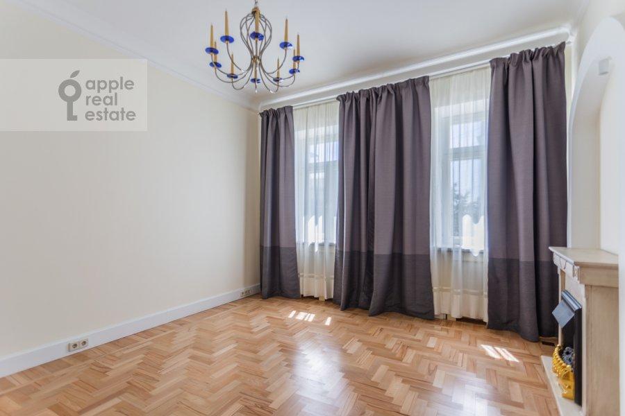 Гостиная в 3-комнатной квартире по адресу Филипповский пер. 16