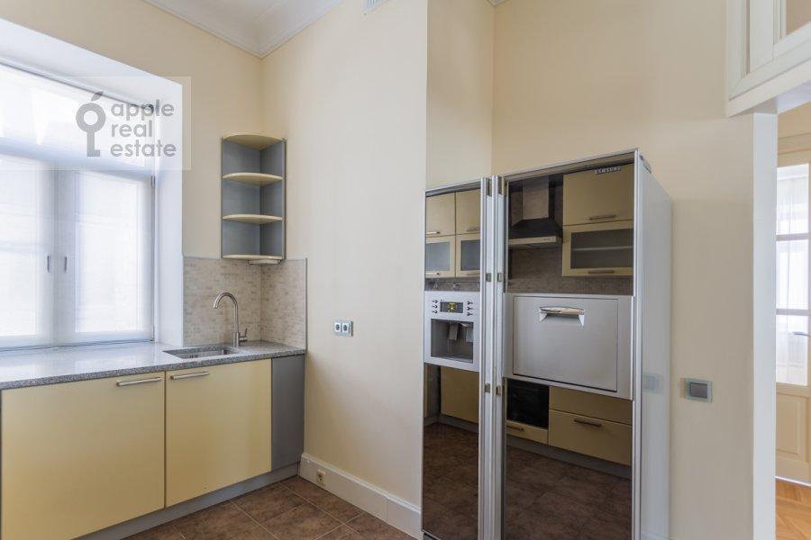 Кухня в 3-комнатной квартире по адресу Филипповский пер. 16
