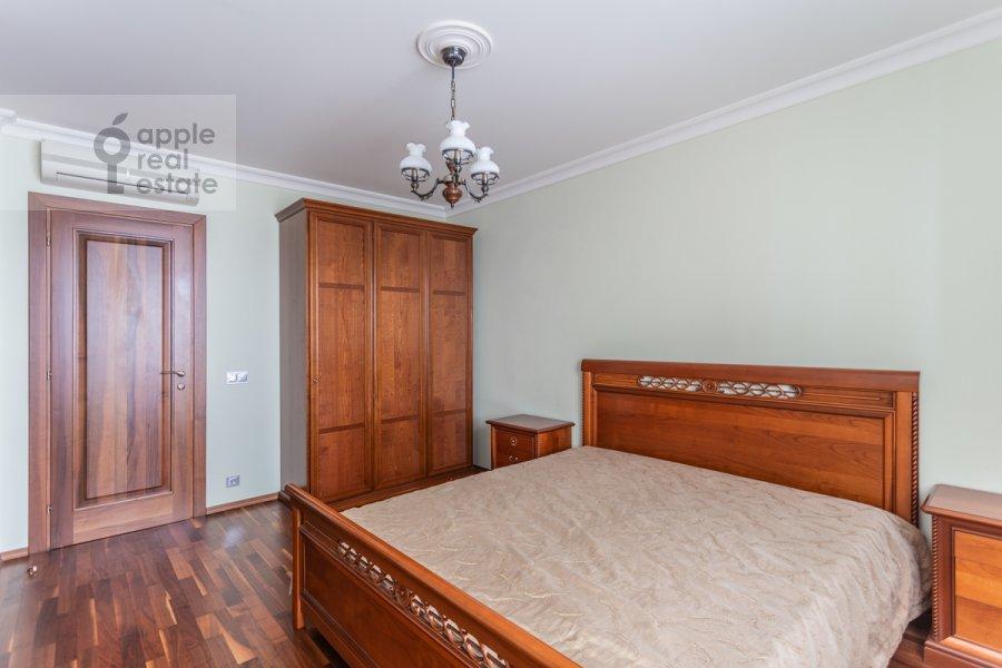 Bedroom of the 4-room apartment at Udal'tsova ul. 5k3