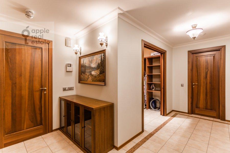 Corridor of the 4-room apartment at Udal'tsova ul. 5k3