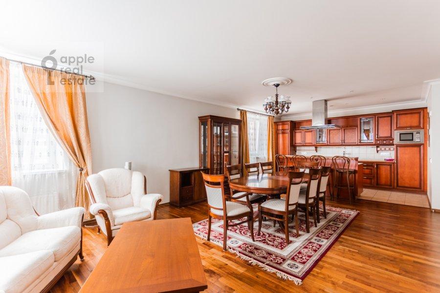 Living room of the 4-room apartment at Udal'tsova ul. 5k3