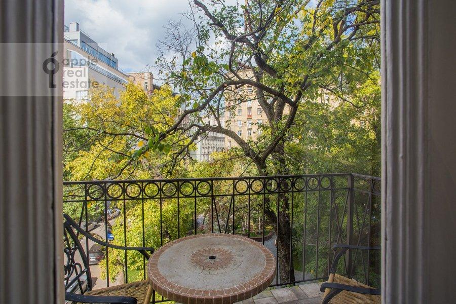 Балкон / Терраса / Лоджия в 4-комнатной квартире по адресу Брюсов переулок 6