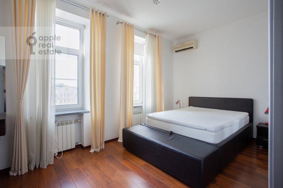 Спальня в 4-комнатной квартире по адресу Климентовский переулок 6