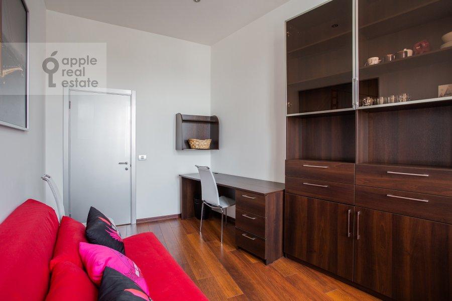 Детская комната / Кабинет в 4-комнатной квартире по адресу Климентовский переулок 6