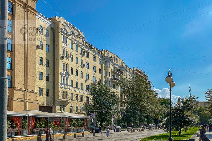 Фото дома 4-комнатной квартиры по адресу Климентовский переулок 6