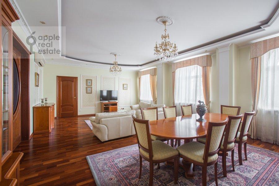 Гостиная в 4-комнатной квартире по адресу Остоженка ул. 25