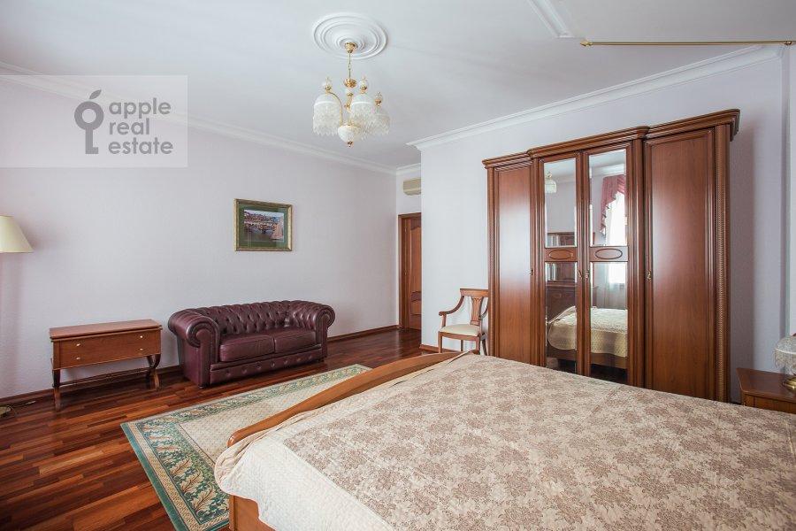 Спальня в 4-комнатной квартире по адресу Остоженка ул. 25