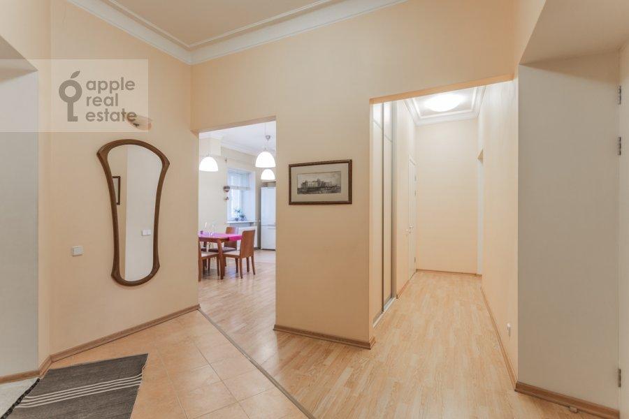 Corridor of the 2-room apartment at Tarasa Shevchenko nab. 1