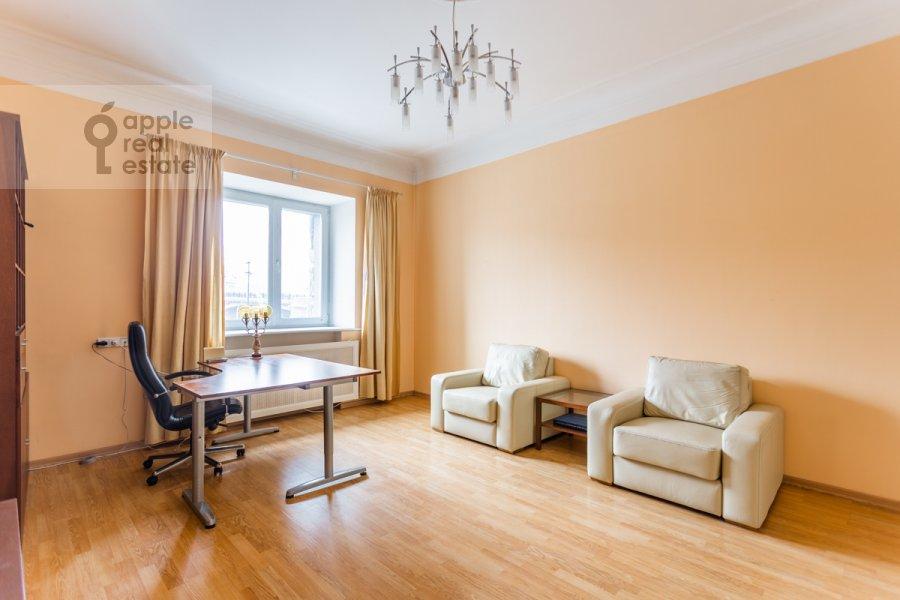 Гостиная в 2-комнатной квартире по адресу Тараса Шевченко наб. 1