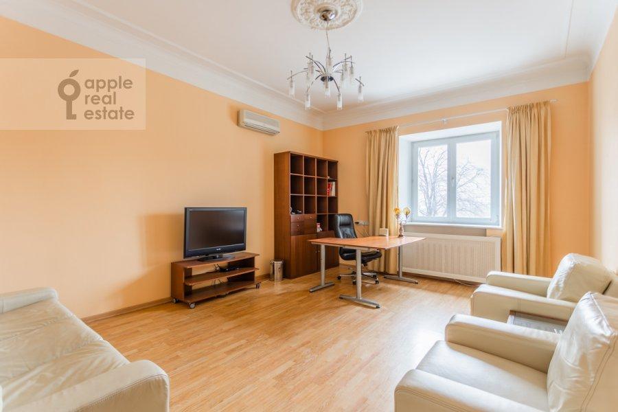 Living room of the 2-room apartment at Tarasa Shevchenko nab. 1