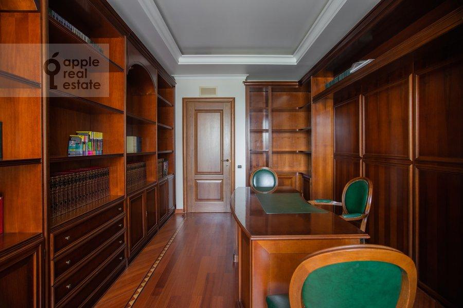 Детская комната / Кабинет в 6-комнатной квартире по адресу Саввинская наб. 7С3