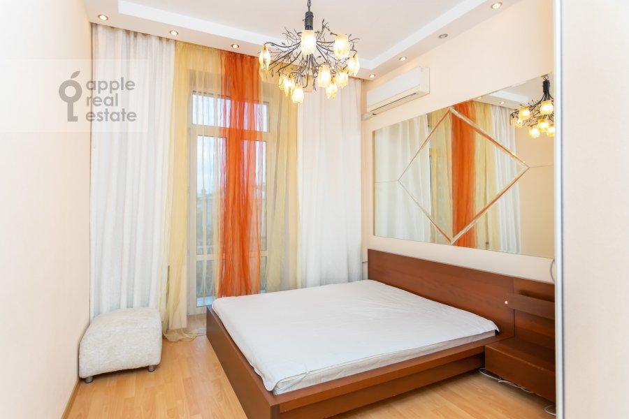 Bedroom of the 3-room apartment at Novinskiy bul'var 18s2
