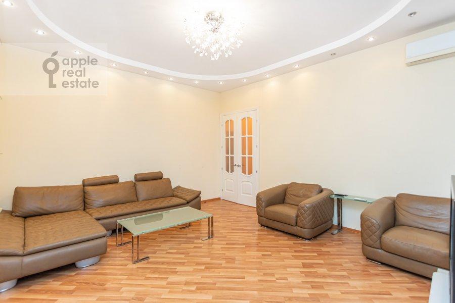 Living room of the 3-room apartment at Novinskiy bul'var 18s2