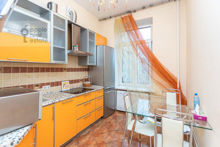 Kitchen of the 3-room apartment at Novinskiy bul'var 18s2