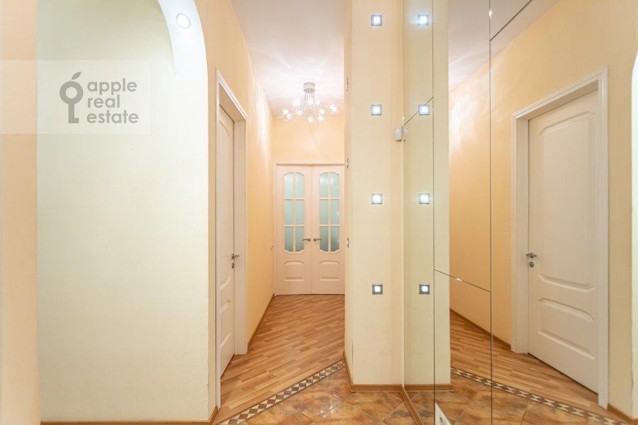 Corridor of the 3-room apartment at Novinskiy bul'var 18s2