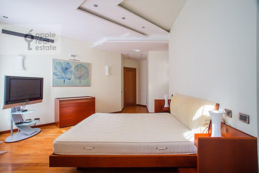 Bedroom of the 4-room apartment at Krasnoproletarskaya ulitsa 7