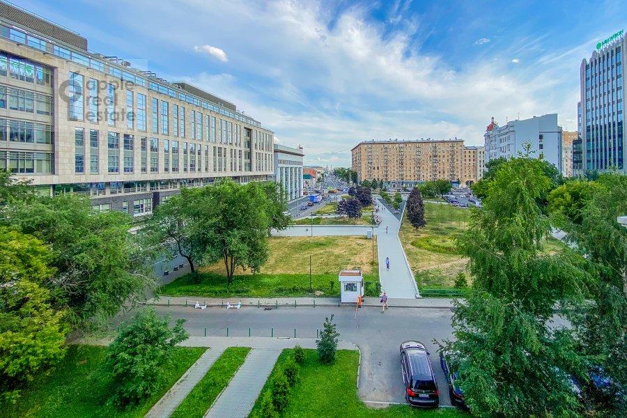 View from the window of the 4-room apartment at Krasnoproletarskaya ulitsa 7