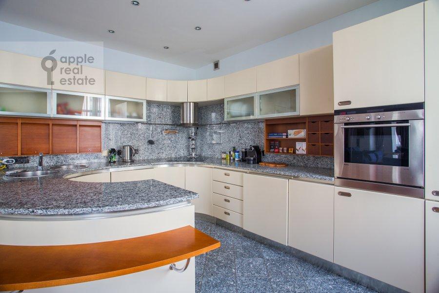 Kitchen of the 4-room apartment at Krasnoproletarskaya ulitsa 7