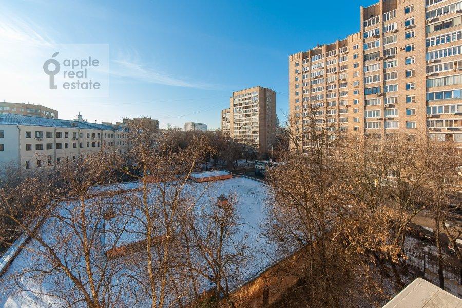 Вид из окна в 2-комнатной квартире по адресу 2-ой Самотечный пер. 1