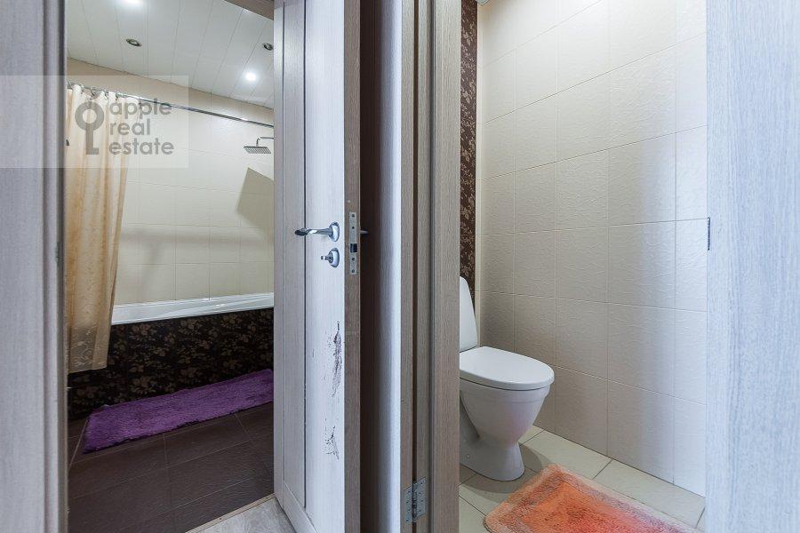 Санузел в 2-комнатной квартире по адресу 2-ой Самотечный пер. 1