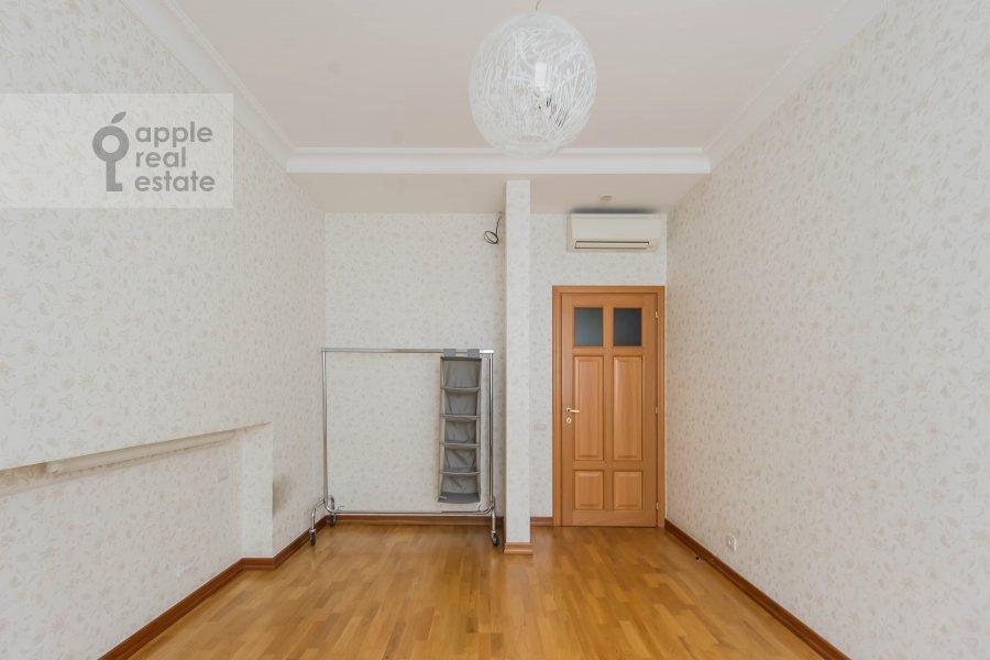 Children's room / Cabinet of the 3-room apartment at Pochtovaya Bol'shaya ul. 5