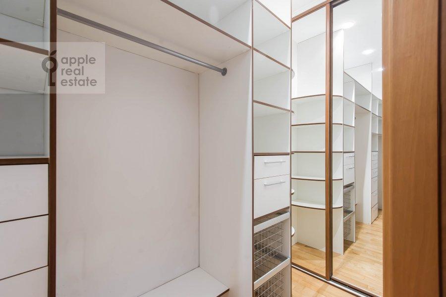 Walk-in closet / Laundry room / Storage room of the 3-room apartment at Pochtovaya Bol'shaya ul. 5