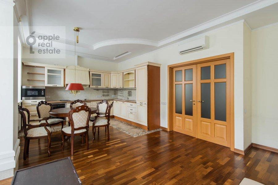 Living room of the 3-room apartment at Pochtovaya Bol'shaya ul. 5