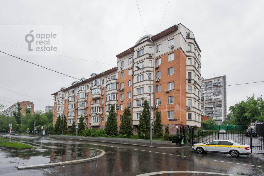 Photo of the house of the 3-room apartment at Pochtovaya Bol'shaya ul. 5