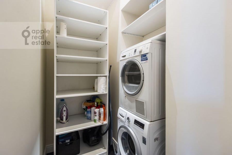 Walk-in closet / Laundry room / Storage room of the 5-room apartment at Malyy Levshinskiy pereulok 7