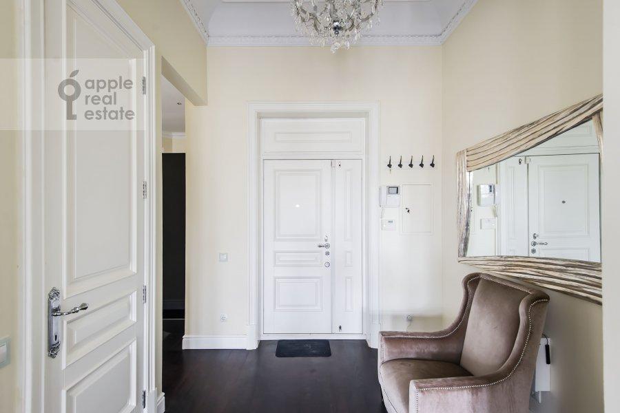 Corridor of the 5-room apartment at Malyy Levshinskiy pereulok 7