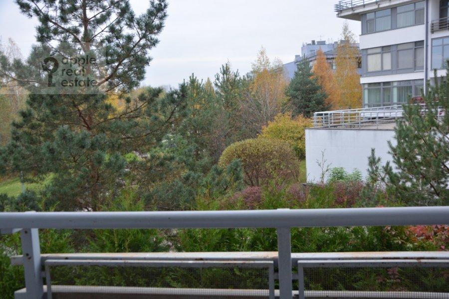 Вид из окна в 4-комнатной квартире по адресу Островной пр. 8