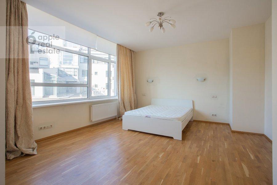 Спальня в 4-комнатной квартире по адресу Островной пр. 8
