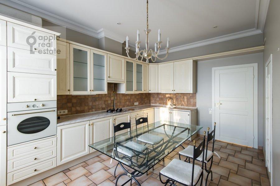 Kitchen of the 5-room apartment at Bol'shaya Ordynka 67
