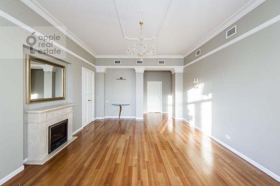 Living room of the 5-room apartment at Bol'shaya Ordynka 67