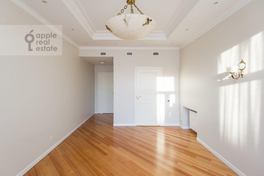 Bedroom of the 5-room apartment at Bol'shaya Ordynka 67