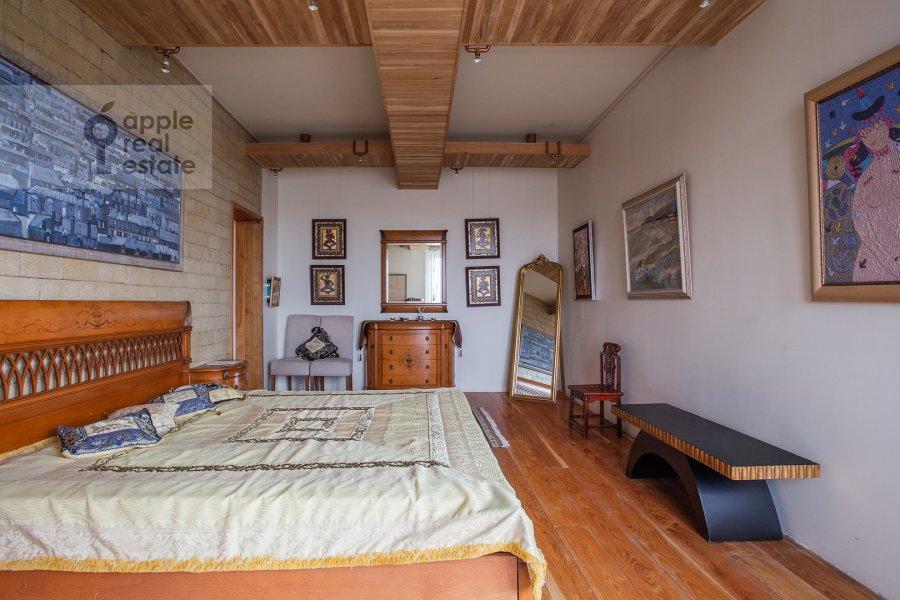 Спальня в 4-комнатной квартире по адресу Мосфильмовская ул. 70к4
