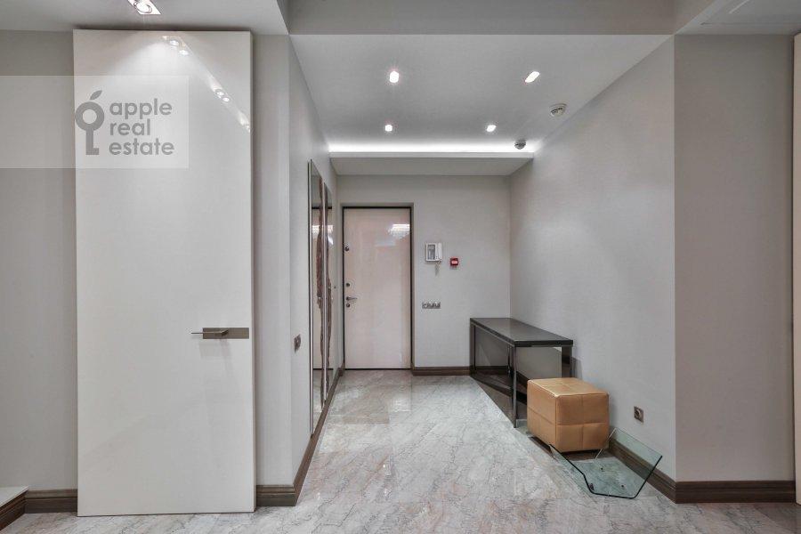 Corridor of the 4-room apartment at Zachat'evskiy 1-y per. 5